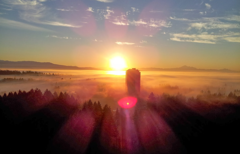 First light - Coquitlam  Photo: Robbin Whachell